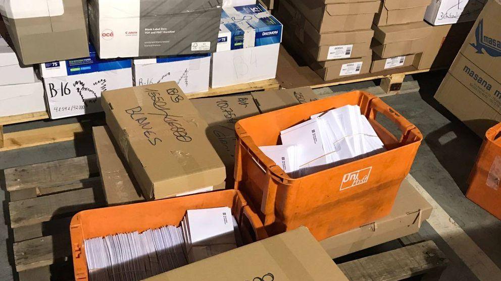 Este es el material electoral que los agentes han intervenido Unipost