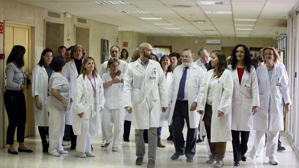 Madrid: la crisis y la ley jubilan a la fuerza a casi todos los médicos de más de 65 años