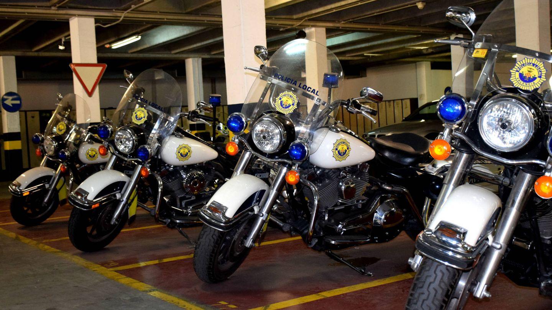 Las seis Harley Road King que compró Barberá para escoltar al Papa en 2006. (EC)