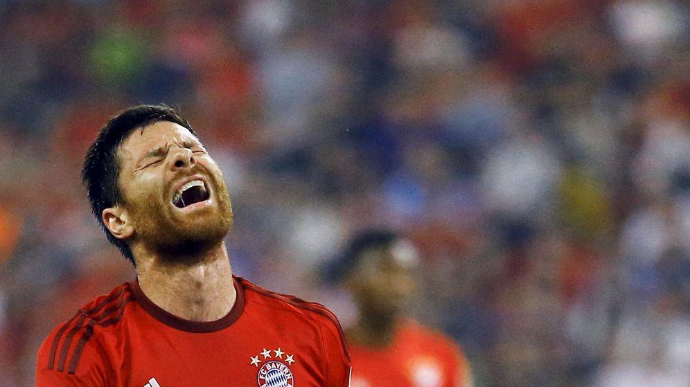 Foto: Xabi Alonso se lamenta durante un partido con el Bayern de Múnich (Reuters).