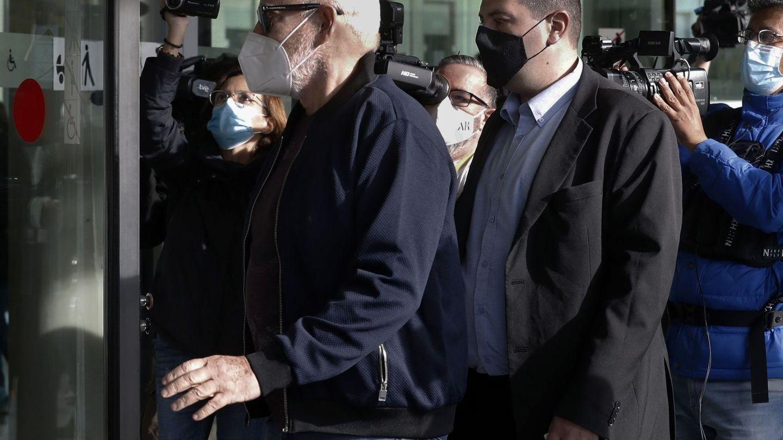 Josep Maria Mainat entrando en los juzgados. (EFE)