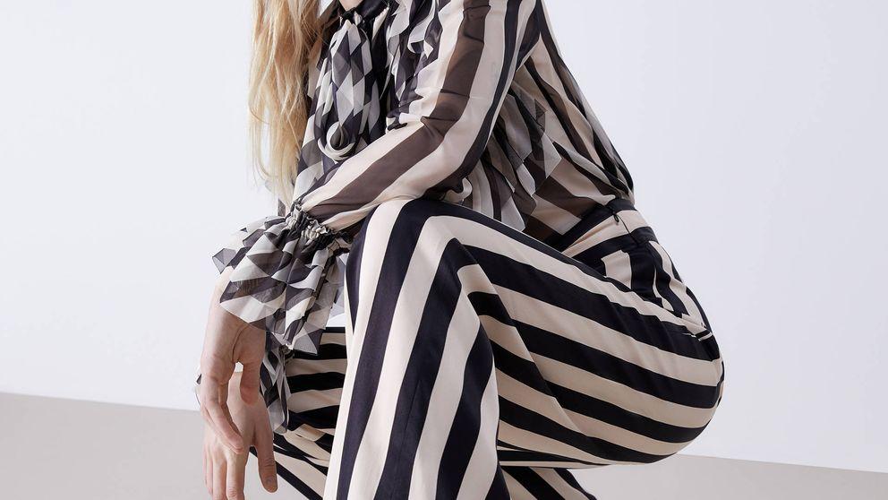 Uterqüe se supera (una vez más) con este conjunto de rayas de pantalón y camisa