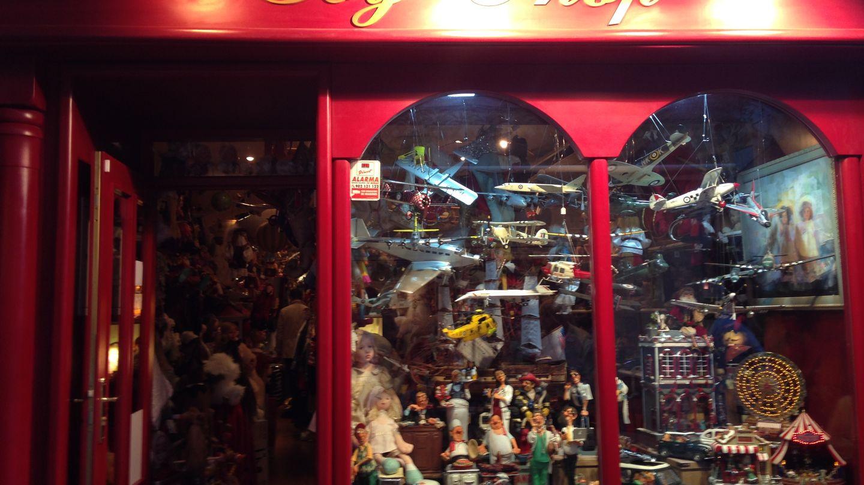 Exterior de la juguetería 'Toy Shop'. (Amparo de la Gama)