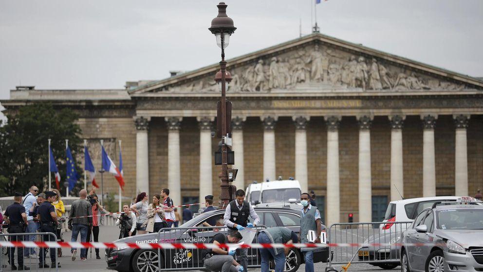 La Policía busca un coche que se coló  en la meta de la última etapa del Tour