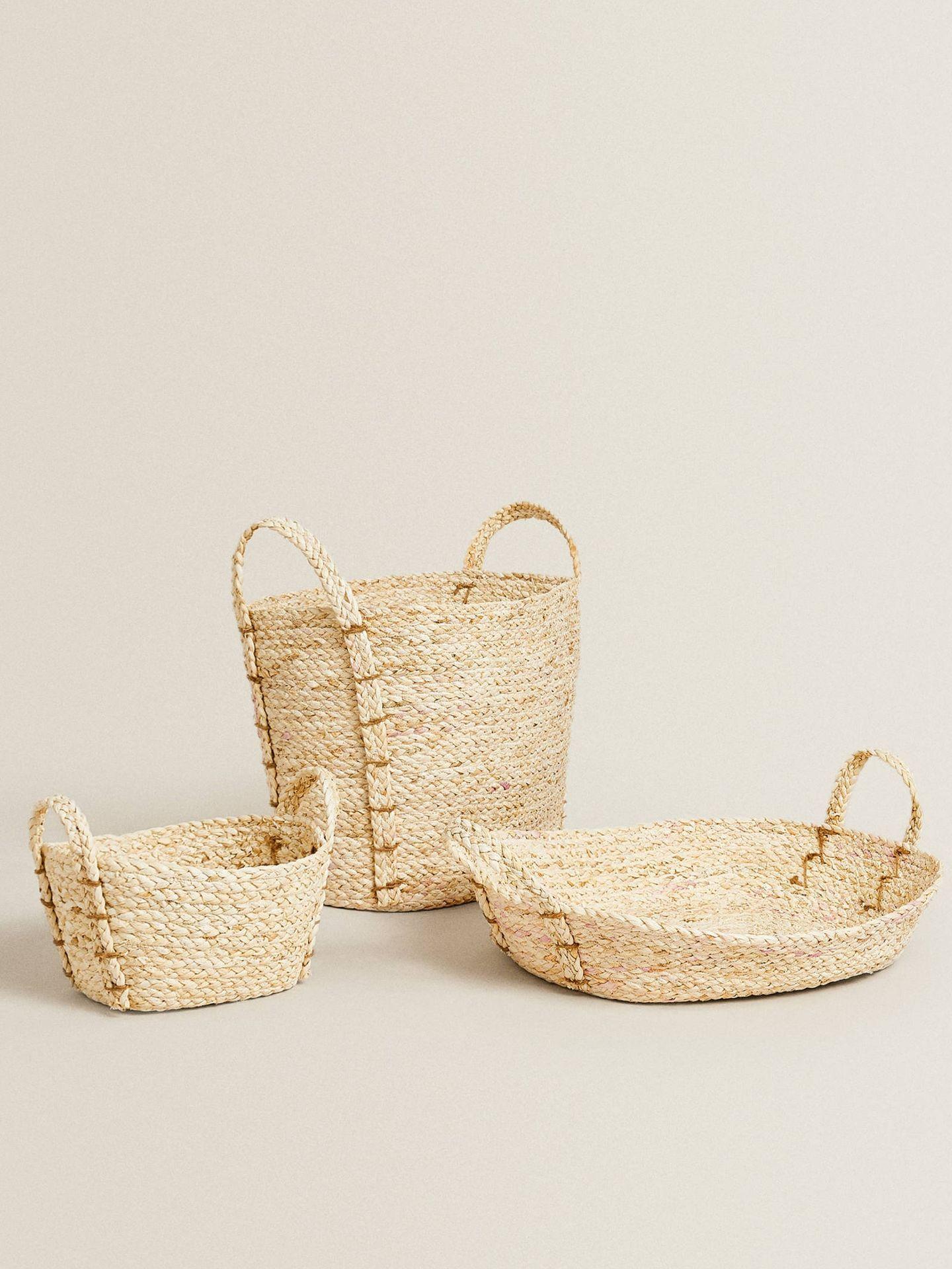 Decora con estas cestas trenzadas de Zara Home. (Cortesía)
