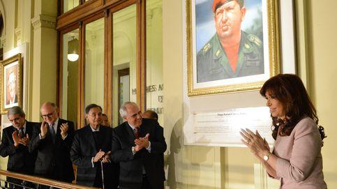 Macri retira los cuadros de Néstor Kirchner y Chávez de la Casa Rosada