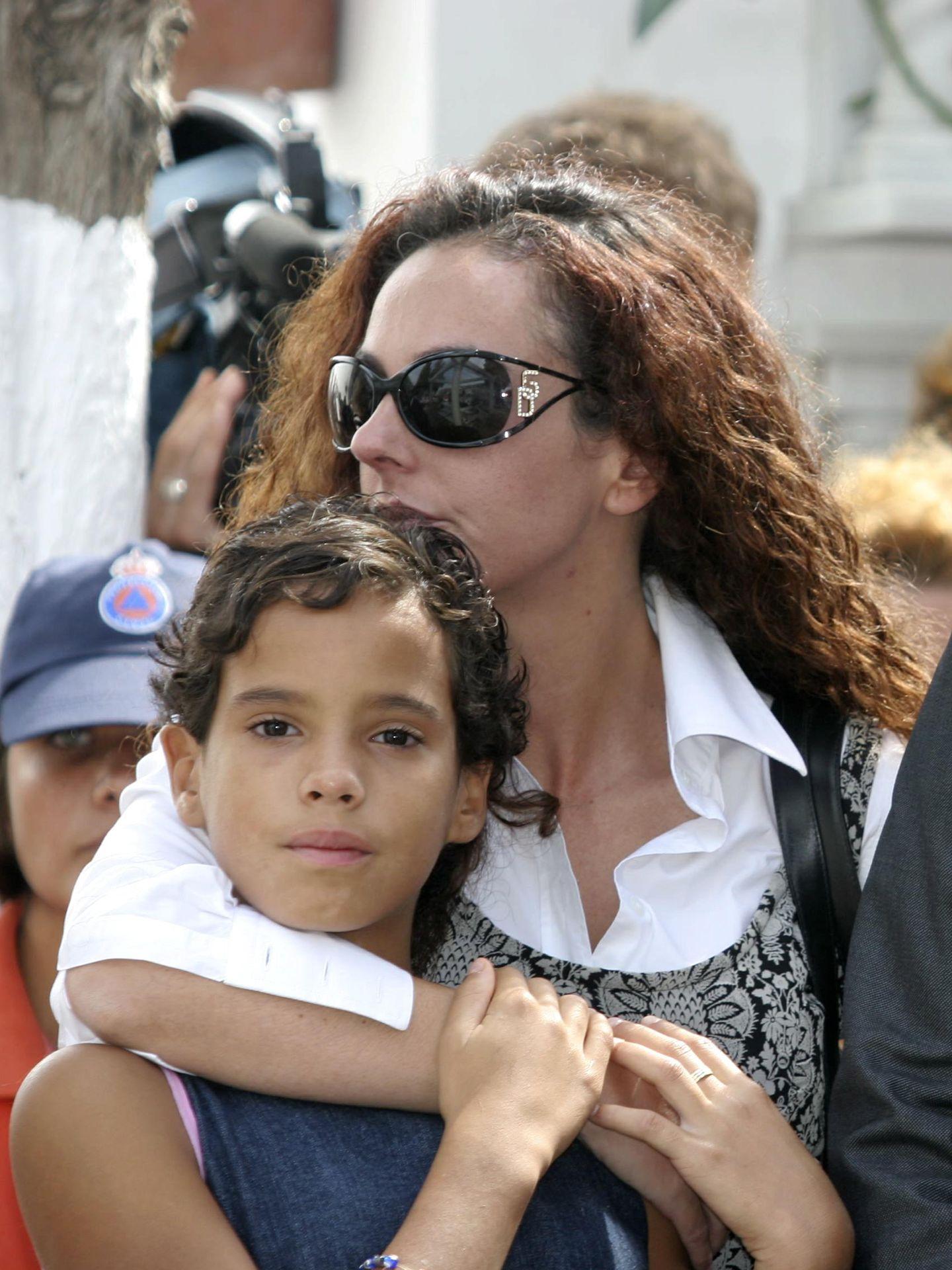 Rocío Carrasco junto a su hermana, en una imagen de archivo