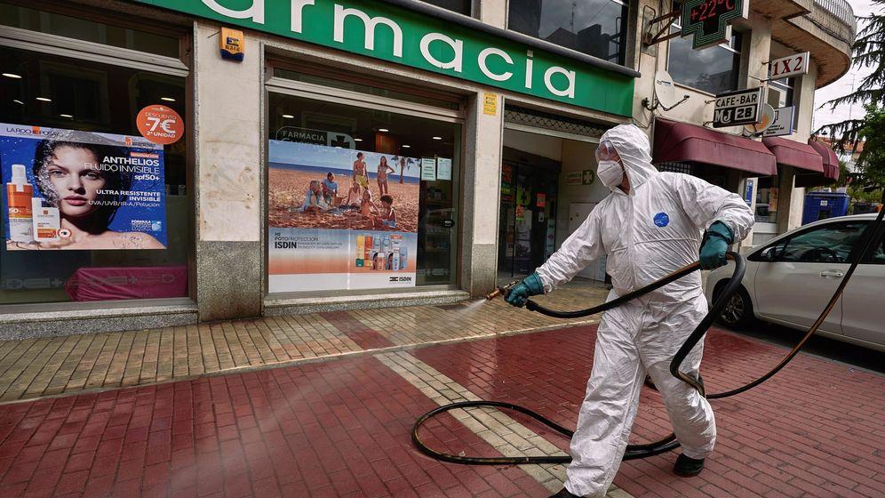 Foto: Desinfección en Ávila para evitar contagios. (EFE)