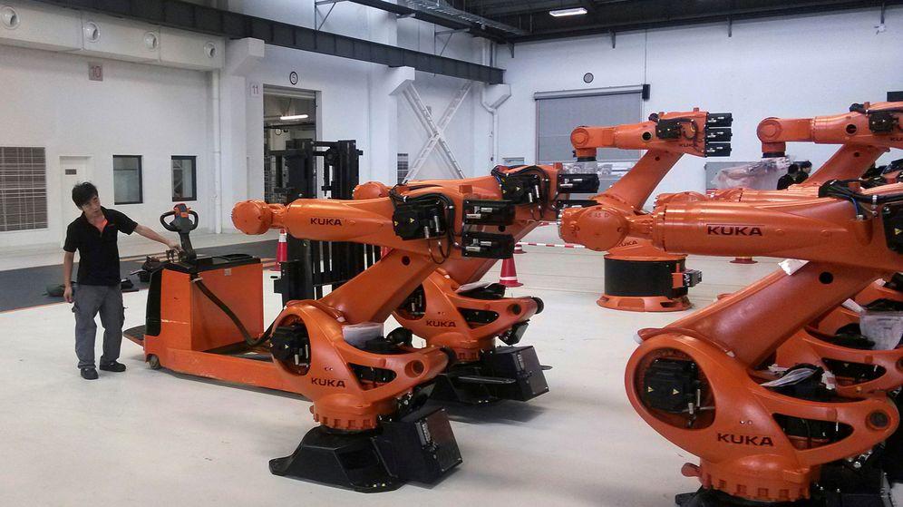 Foto: Robots en una fábrica de Shanghai (China). (Reuters)