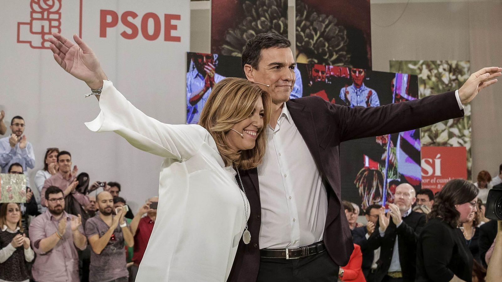 Foto: Fotografía de archivo del ex secretario general del PSOE Pedro Sánchez y la presidenta de Andalucía, Susana Díaz. (EFE)