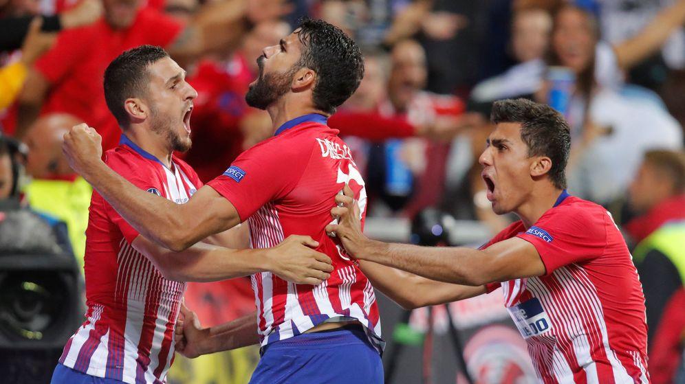 Foto: La celebración de primer gol del Atlético de Madrid, obra de Diego Costa. (Reuters)
