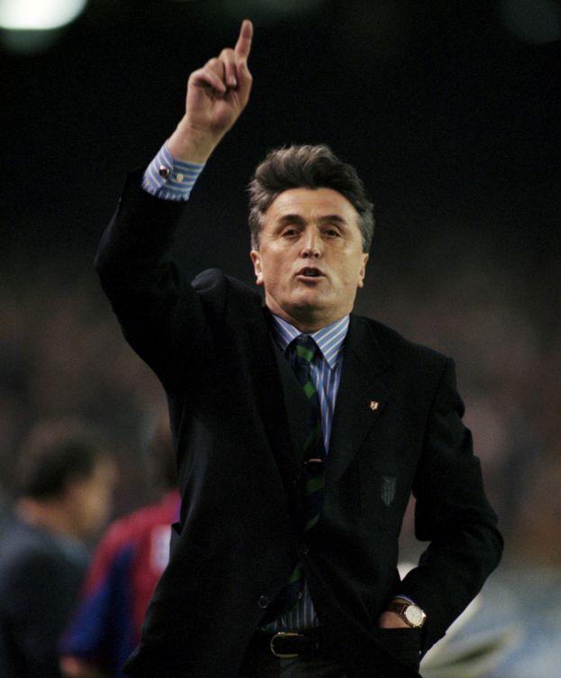 Foto: Radomir Antic, en abril de 1996, en un Atlético-Barça. (Reuters)