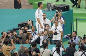 La 'prensa rosa', primera preocupación del Madrid tras fichar a Ronaldo