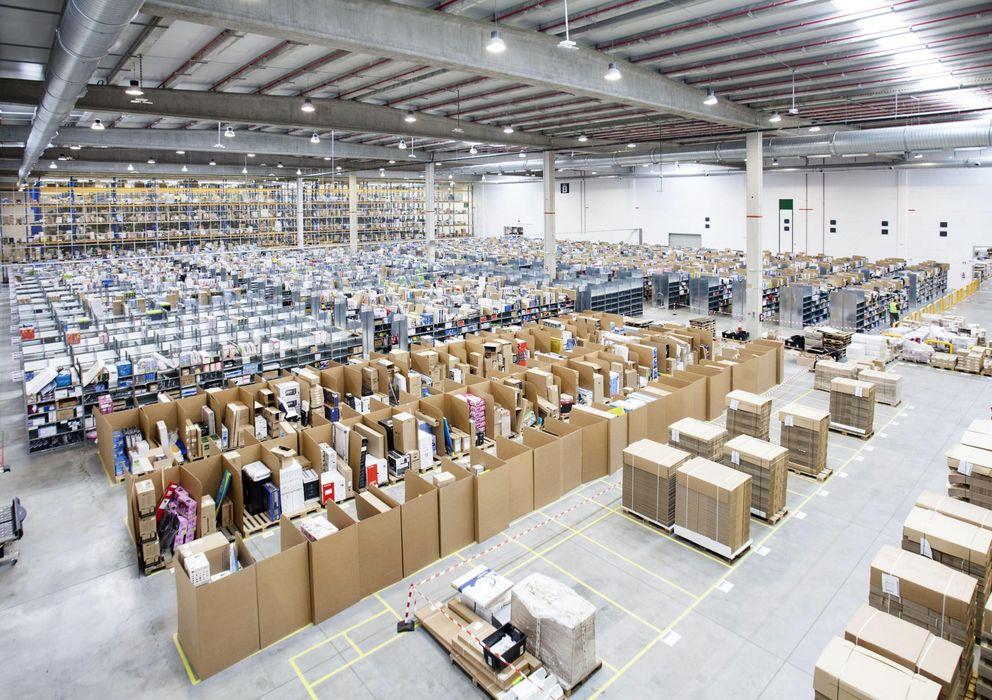 Foto: Fotografía facilitada por Amazon España de su centro logístico en San Fernando de Henares. (EFE)