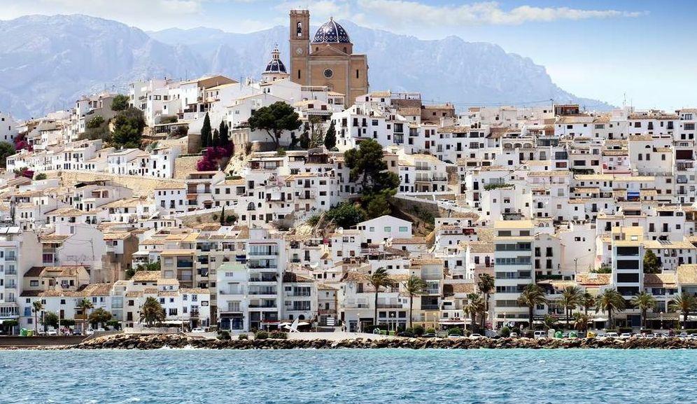 Foto: ¿No te recuerda Altea a Santorini, allá en el Egeo? (Foto: Guía Repsol)