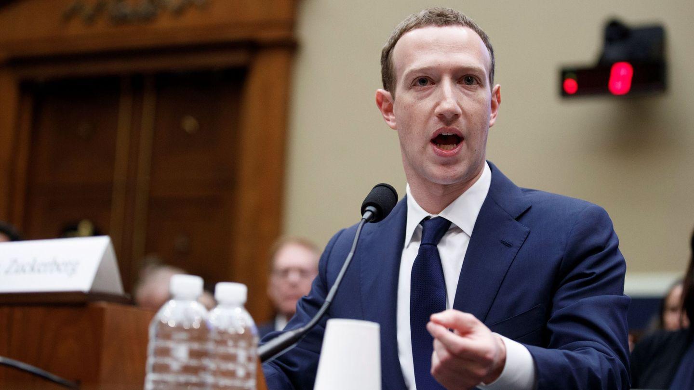 El fundador de Facebook, el estadounidense Mark Zuckerberg, durante su comparecencia ante el comité de Energía y Comercio en Washington D.C (EFE)