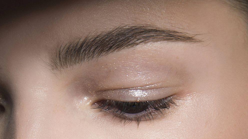 Tus cejas necesitan este lápiz de maquillaje, palabra de Instagram