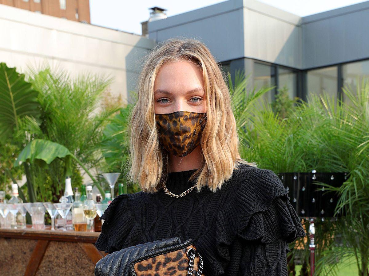Foto: El correcto cuidado de la piel con mascarilla: rutina simplificada. Rebecca Minkoff, en la Semana de la Moda de Nueva York. (Imaxtree)