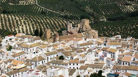 Zuheros: descubre en Córdoba por qué los pueblos blancos también son para el invierno