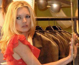 Kate Moss aterriza en Marbella huyendo de Doherty