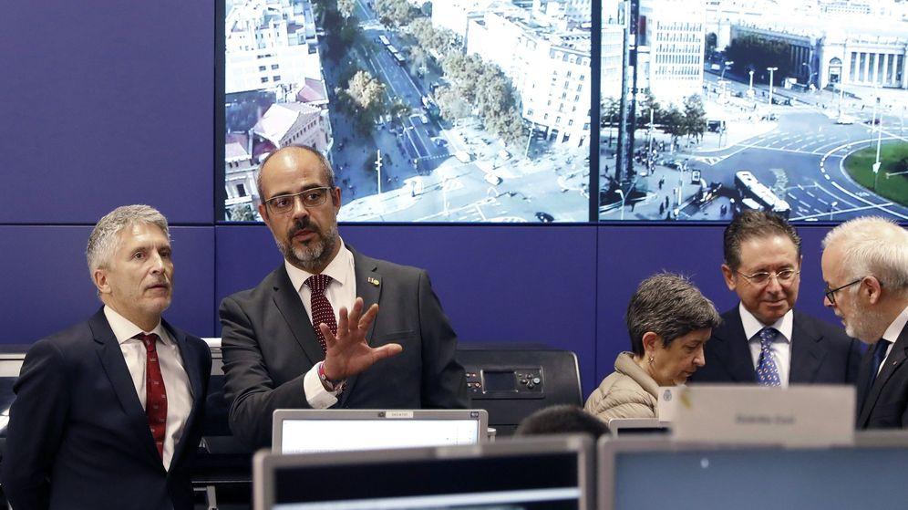 Foto: El ministro del Interior, Fernando Grande-Marlaska, y el 'conseller' Miquel Buch. (EFE)