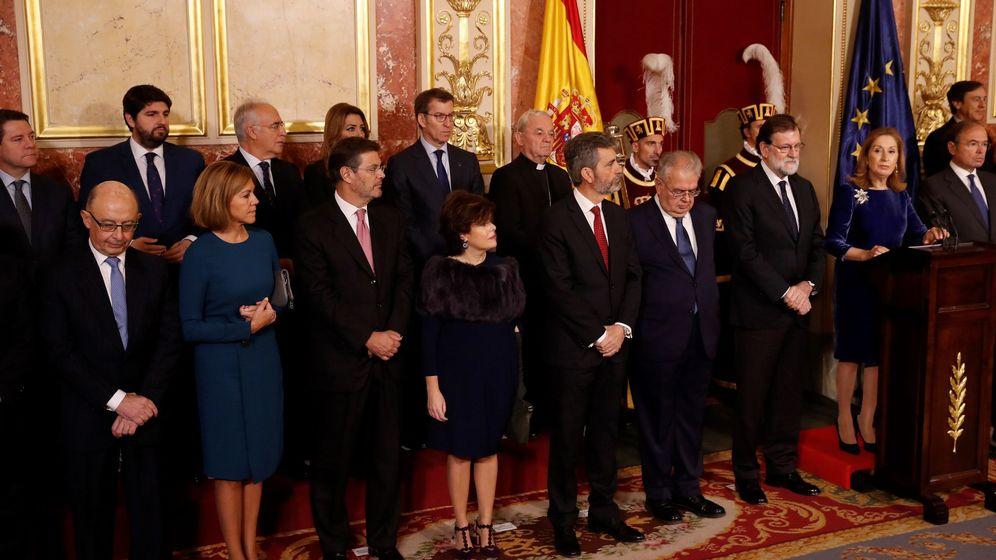 Foto: Varias personalidades políticas, este miércoles, reunidos con motivo del día de la Constitución. (EFE)
