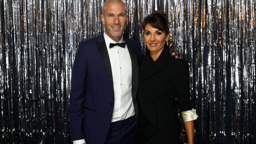 Foto: Zinedine Zidane y su mujer, Veronique Fernández, en unos premios de la FIFA. (Getty)
