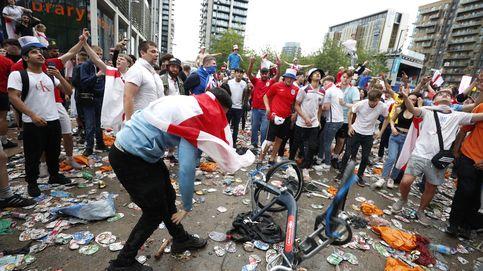 Los hinchas ingleses generan disturbiosintentando colarse al estadio de Wembley