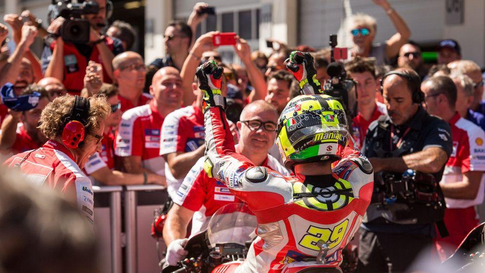 Foto: Iannone, tras ganar en Brno (EFE)