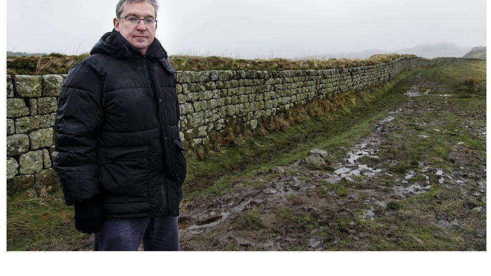 Santiago Posteguillo reta a los dioses en el Muro de Adriano