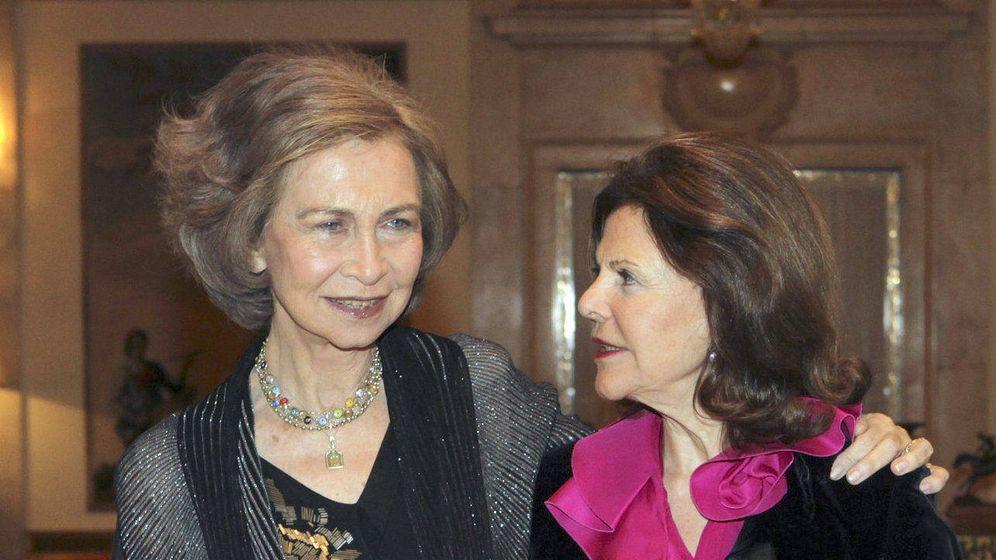 Foto: La reina Sofía recibe en Zarzuela a la reina Silvia de Suecia, en 2014. (EFE)