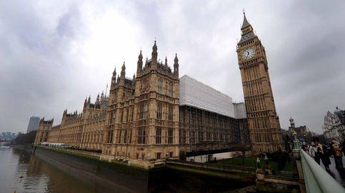 Los diputados me llamaban 'tetas grandes: una asesora política lo cuenta todo