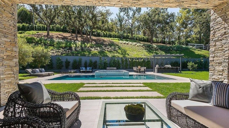 Interior de la casa de Kris Jenner, vendida por 'Realtor.com'. (Cortesía)
