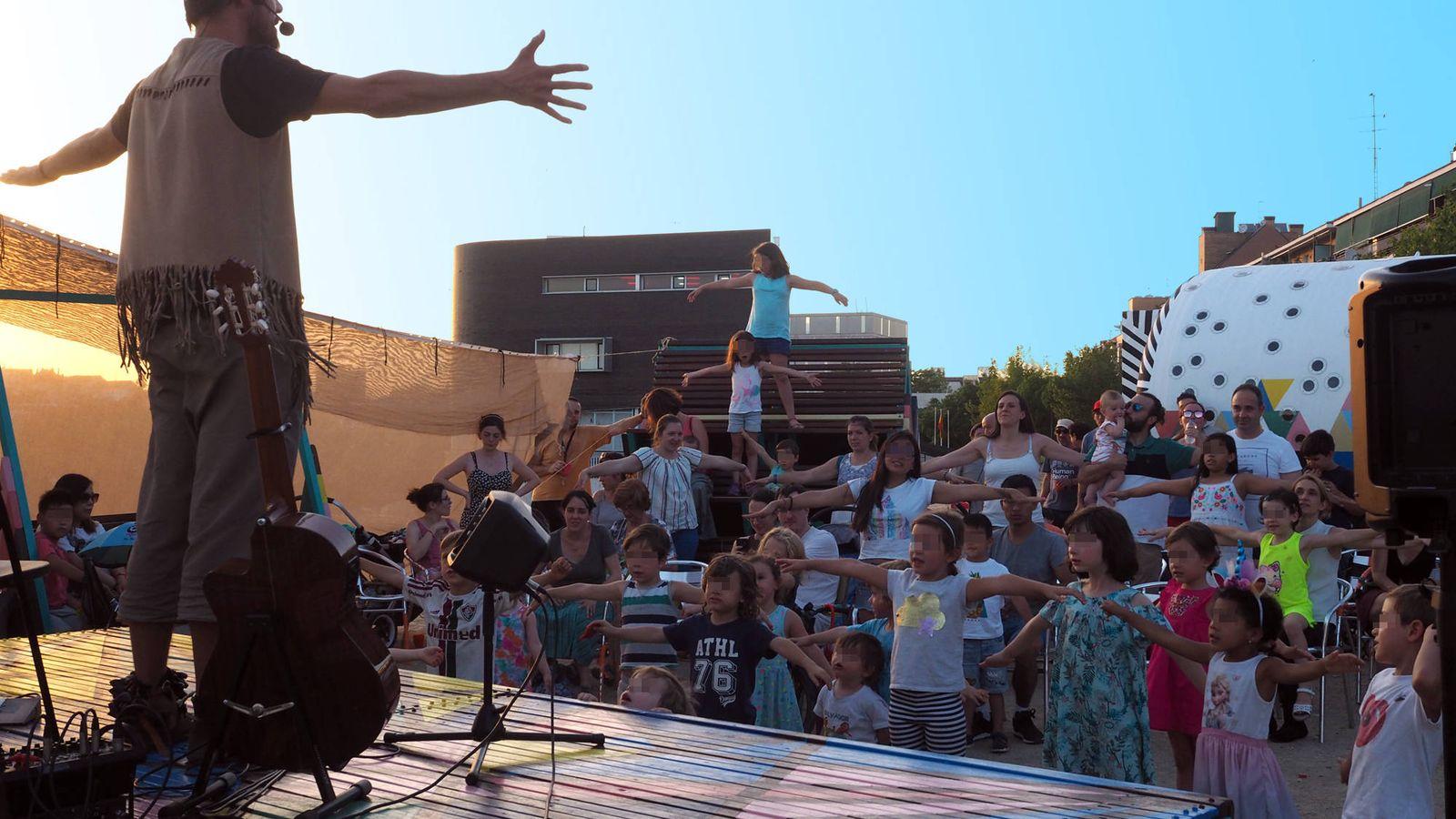 Foto: Yo soy Ratón, durante su concierto en Usera (A.P.)
