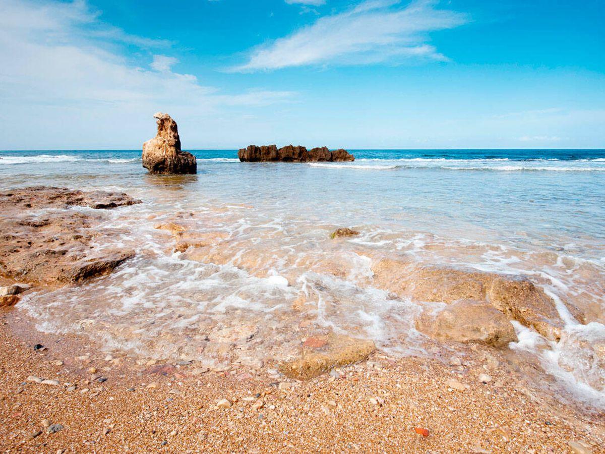 Foto: Playa de Les Rotes en Denia y otras playas escondidas para disfrutar del verano. (Alamy)