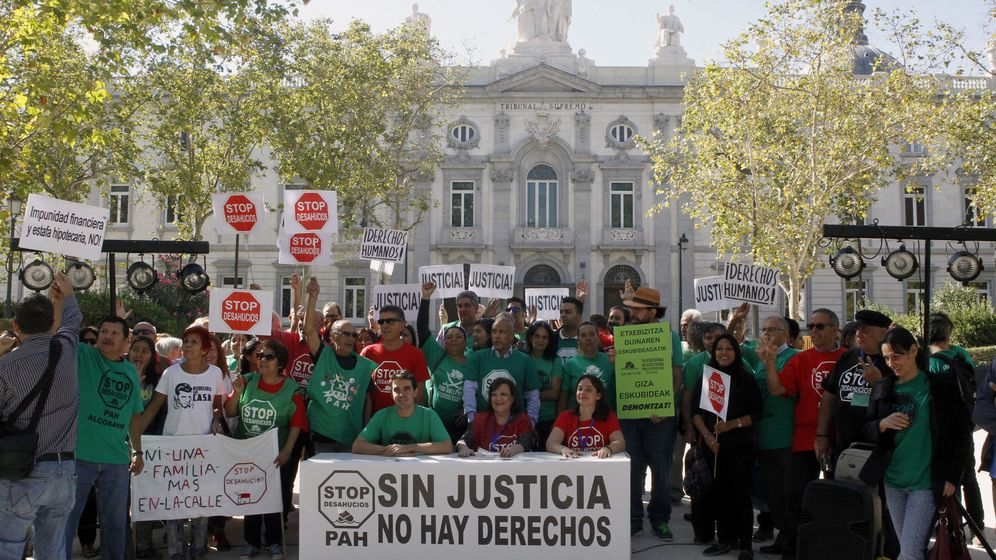 Foto:  Miembros de la Plataforma de Afectados por la Hipoteca (PAH). (EFE)