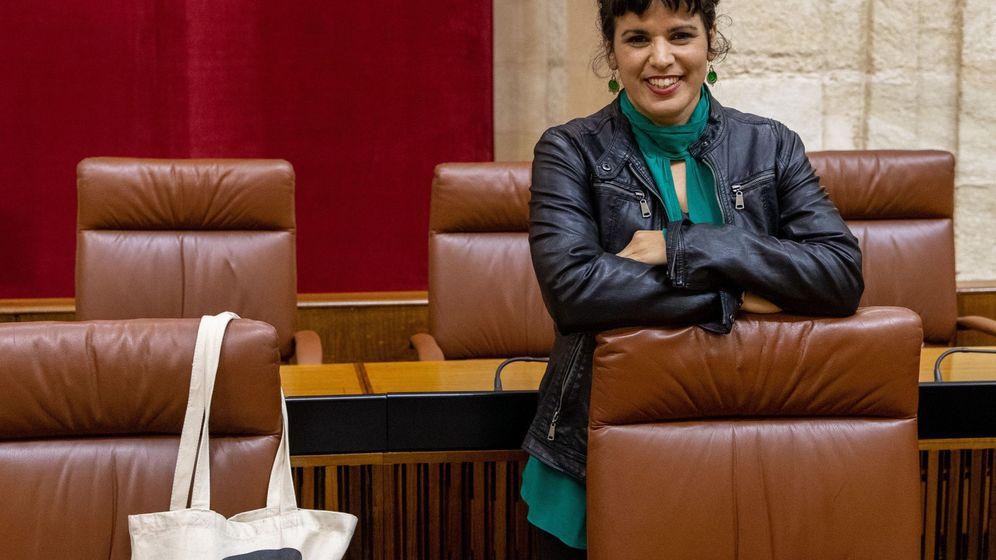 Foto: Teresa Rodríguez en el Parlamento de Andalucía. (EFE)