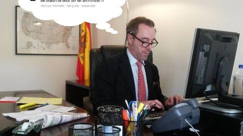 El cónsul que fue cesado porque Susana Díaz no entiende Facebook
