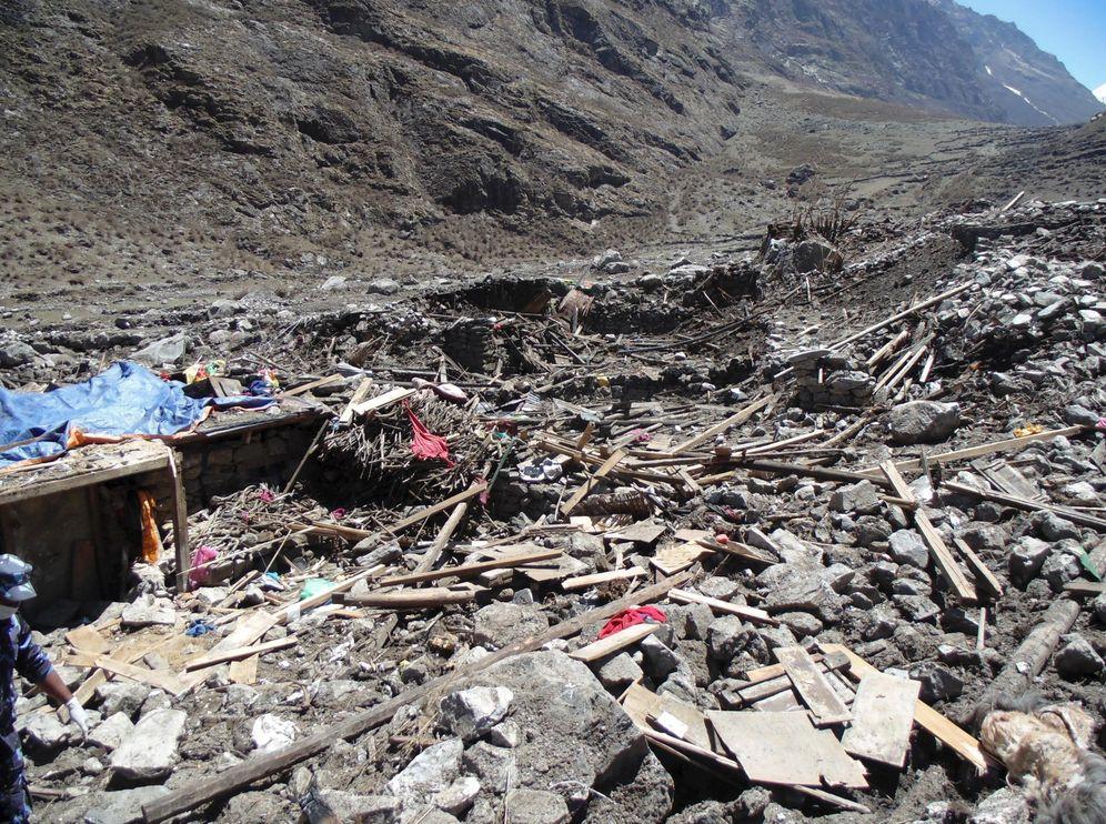Foto: Vista de la destrucción causada por el seísmo en la población de Langtang. (EFE)