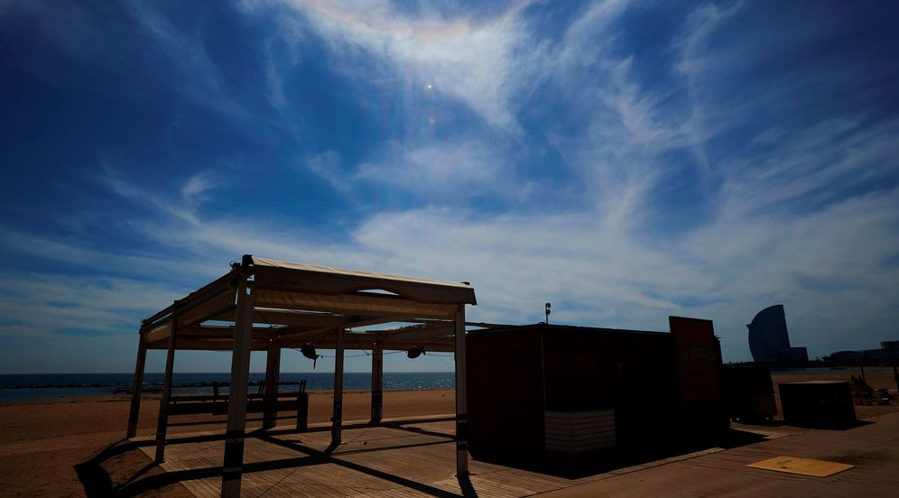 Foto: Barcelona se queda sin chiringuitos durante el verano. EFE