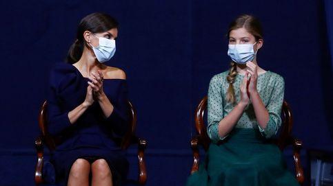 Préstamos reales: la bufanda que comparten la reina Letizia y la infanta Sofía