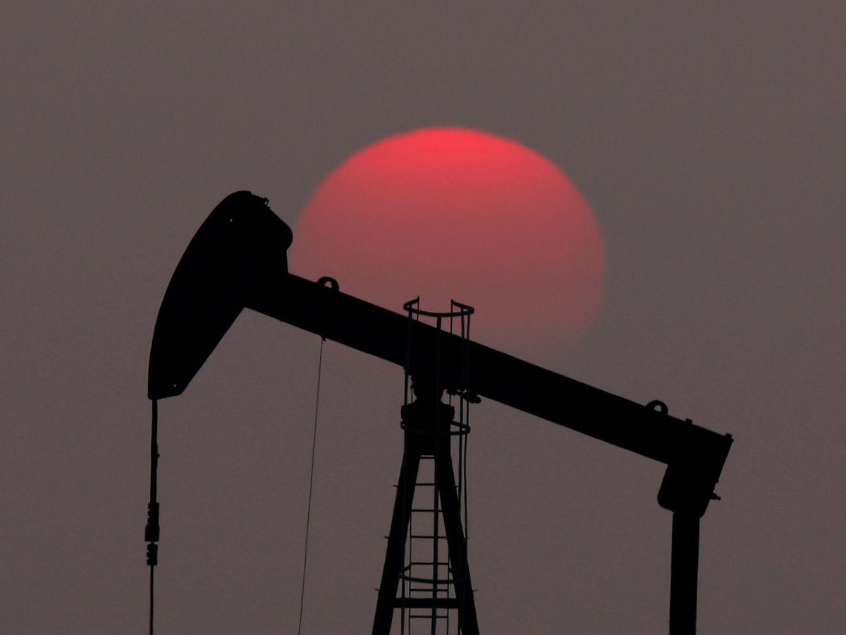 Foto: Una planta de extracción de petróleo. (Reuters)