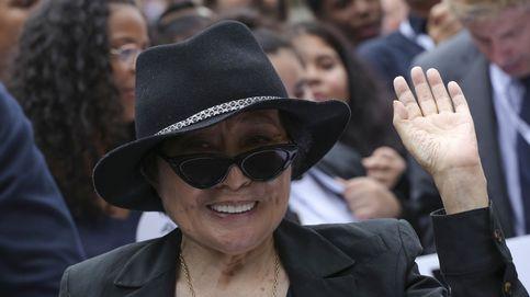 Yoko Ono instala su cama de la paz en Nueva York junto a Ringo Star
