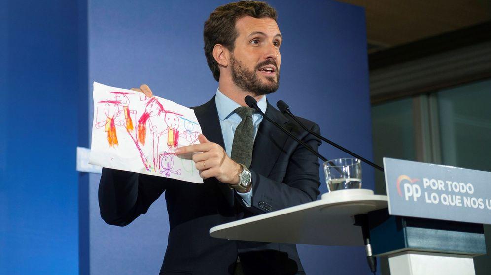 Foto: El presidente del Partido Popular, Pablo Casado, ofrece un discurso durante la visita de este martes a Santander. (EFE)
