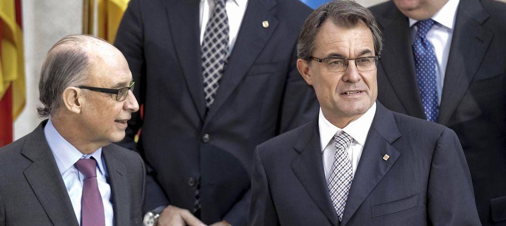 Foto: Cristóbal Montoro, ministro de Hacienda, y Artur Mas, presidente catalán. (EFE)