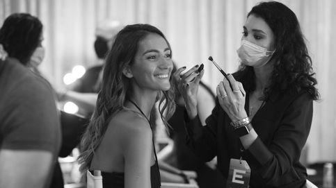 Base de maquillaje: ¿aplicación con brocha o con las yemas de los dedos?