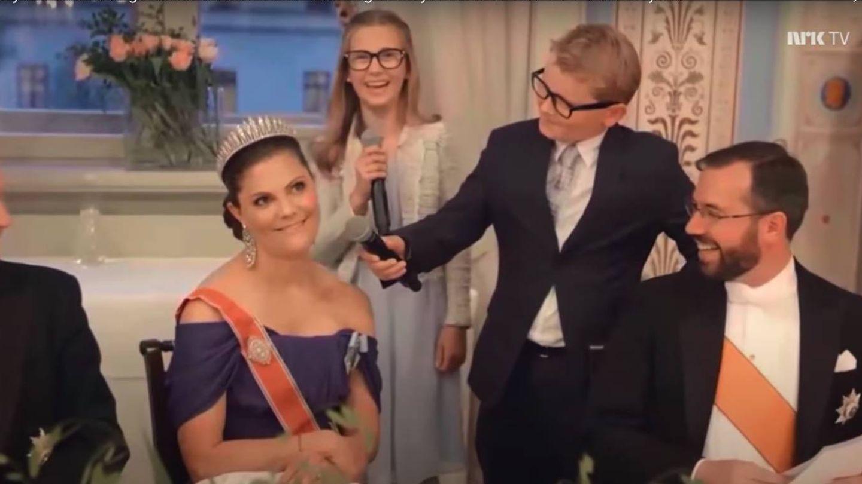 Sverre Magnus y Victoria de Suecia. (YouTube)