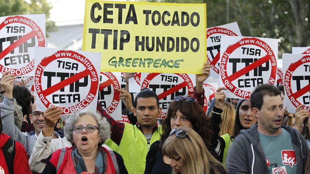 Foto: 20.000 personas se manifiestan en Madrid contra los tratados de libre comercio