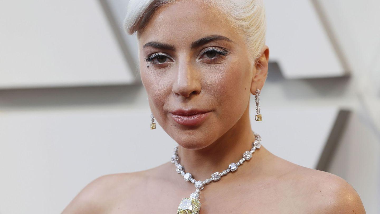 Lady Gaga con el diamante en cuestión.