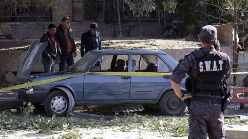 Seis policías muertos en un atentado en El Cairo